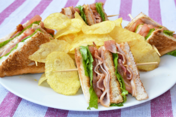 CLUB SANDWICH NON VEG
