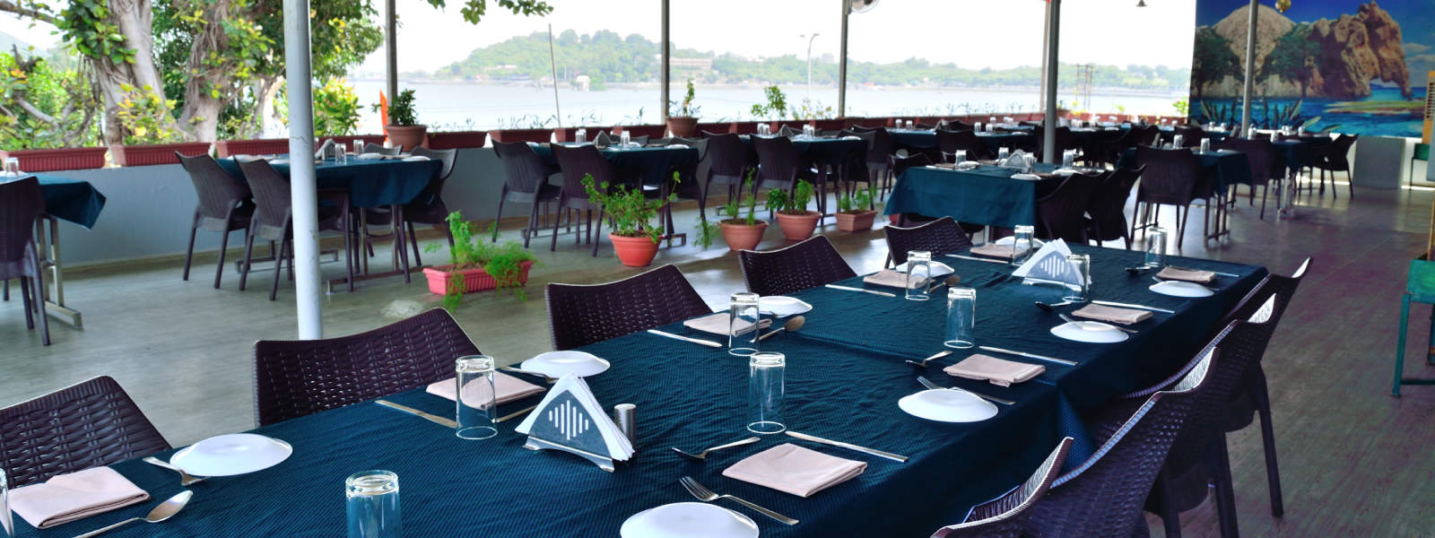 Lake Attached Multi Cuisine Restaurant Udaipur